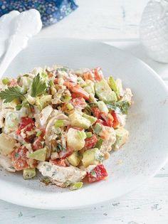 Κοτοσαλάτα με πιπεριές Φλωρίνης και καρύδια - www.olivemagazine.gr Salad Bar, Pasta Salad, Potato Salad, Food And Drink, Potatoes, Ethnic Recipes, Crab Pasta Salad, Potato, Noodle Salads