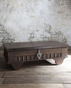 If that doesn't keep out unwanted visitors, I don't know what will. Invite world of Westeros at home - Game of Thrones interior ideas Image via Exotic Faux Fur Blanket Game Of Thrones Set, Coffee Table Furniture, Coffee Tables, Furniture Decor, Ethnic Home Decor, Interior Decorating, Interior Design, Interior Ideas, Decorating Ideas