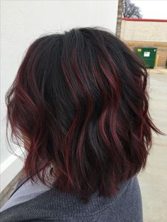 36 Perfect Fall Hair Colors Ideas For Women - WorldOutfits Hair Color Balayage, Hair Highlights, Black Hair With Red Highlights, Burgundy Balayage, Haircolor, Red Highlights In Brown Hair, Fall Hair Colors, Fall Winter Hair Color, Hair Color And Cut