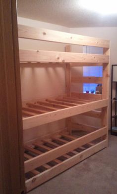Triple bunks, or bunk with trundle