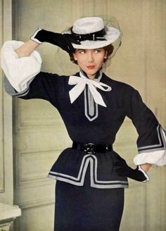 fashion Vintage fashion images from the like this always inspire me!Vintage fashion images from the like this always inspire me! Fifties Fashion, 50 Fashion, Fashion Images, Fashion History, Retro Fashion, Fashion Models, Vintage Fashion, Covet Fashion, Womens Fashion