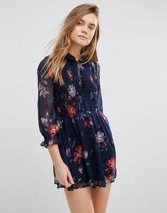 Abercrombie & Fitch – Ausgestelltes, gemustertes Boho-Kleid mit Schleifenkragen und gerafftem Design