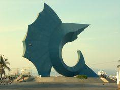 Escultura símbolo de la ciudad de #Manzanillo, la Capital Mundial Del Pez Vela, en #Colima.