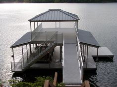 one cool dock to have a soiree Lake Dock, Lake Beach, Water House, Boat House, Floating Boat Docks, Dock Ideas, Boat Shed, Pontoons, Lakeside Living