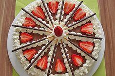 """Lecker! Ein wunderbares Beispiel, wie man eine ohnehin schon leckere Torte durch ein bischen Kreativität mit Mikados den besonderen Touch verleihen kann. Danke an  """"Manu-Zimbo"""" für diese Rezeptidee. Bleibt original! Euer Mikado Team."""