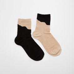 Pinterest: averbaber__  follow for more cute socks, gorgeous aesthetics, and outfit ideas! Cute Socks, My Socks, Crazy Socks, Designer Socks, Happy Socks, Fashion Socks, Fashion Mode, Street Fashion, Mittens