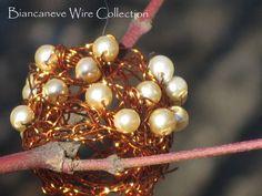 Biancaneve collection: Anelli tra i rami.....wire rame, perle e crochet!
