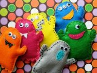 Make some little monsters | Fiber Arts | Scoop.it  would be cute to fill with rice & use as hand warmers