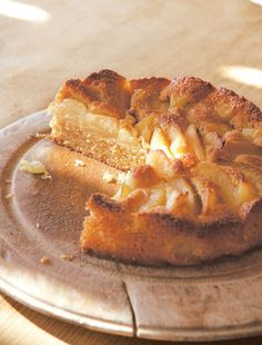 Apple and almond pudding cake recipe from River Cottage Every Day by Hugh Fearnley-Whittingstall | Cooked