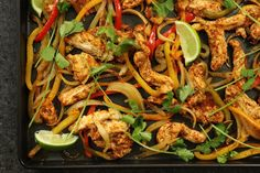 One-Pan Chicken Fajitas - http://m.forkly.com/recipes/one-pan-chicken-fajitas/