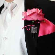 Attach a photo in memory of a loved one to your boutonniere