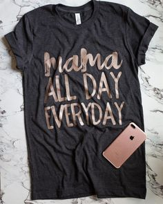 10 Outfit Essentials You Need For Spring Break Latest Fashion Trends – This casual outfit is perfect for spring break or the summer. T Shirts With Sayings, Cute Shirts, Pijamas Women, Mama Shirt, Vinyl Shirts, Diy Shirt, Mom Style, Just In Case, Shirt Designs