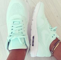 Perfect shoes! | inspoforallgirls #shoes