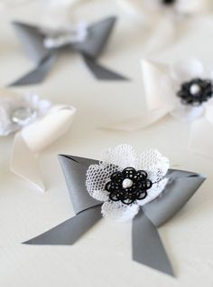 Diy Accessories, Decorative Accessories, Diy And Crafts, Arts And Crafts, Wedding Hands, Hand Bouquet, Handicraft, Christmas Crafts, Projects To Try