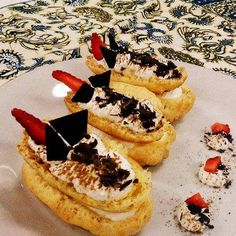 Happy with Cooking: Eclair with Diplomat Cream