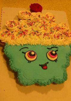 Shopkins Pull-Apart Cupcake Cake