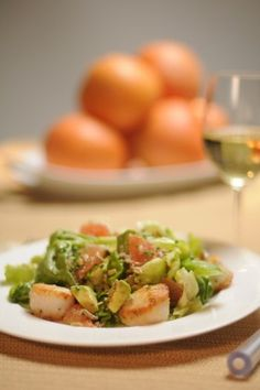 Seared Scallop and Butter Lettuce Salad with Grapefruit Vinaigrette