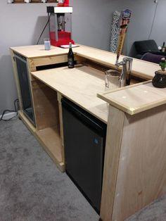 Diy Home Bar, Diy Bar, Bars For Home, Basement Bar Designs, Home Bar Designs, Basement Ideas, Build Your Own Bar, Building A Home Bar, Custom Home Bars