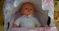 ...este maxi-cosi es para una muñeca,pero la manera de hacerlo es la misma que si lo hicieramos para un bebe...los pasos a seguir son igua... Patches, Knit Crochet, Seat Covers For Chairs, Baby Sewing, Baby Layette, Craft, Cloth Diaper Pattern, Honeycomb Pattern, Cases