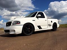 2003 Ford Lightning lowered with front and in the rear Ford Lightning, Chevrolet Ss, Ford F Series, Ford Pickup Trucks, Ford Classic Cars, Vroom Vroom, Badass, Transportation, Guns