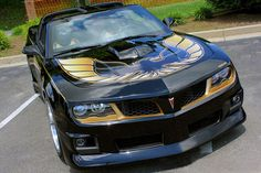 The 2015 Pontiac Trans Am Firebird, based on the Chevrolet Camaro, comes with a refreshed exterior design, available in both coupe and convertible variants. Modern Muscle Cars, Muscle Cars For Sale, Pontiac Cars, Chevrolet Camaro, Corvette, Maserati, New Trans Am, New Car Photo, Chevy Girl