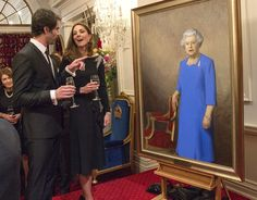 Kate chatted with the artist of the new portrait of the queen, Nick Cuthell, during the state reception in Wellington