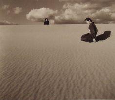 """植田正治《妻のいる砂丘風景(IV)》 1950年頃 - """"My Wife in the Dunes (IV)"""" (c.1950)"""
