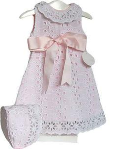 Conjunto Faldón y capota de niña bordado talla 1 m Heirloom Sewing, Classic Outfits, Clothing Items, Baby Love, Dress Collection, Baby Dress, Toddler Girl, Kids Outfits, Kids Fashion