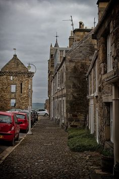 I love coming to the Isle of Cumbrae. We are not far from the loch and we can see some family here. Christmas In Scotland, St Andrews Scotland, The Loch, Scottish Castles, Edinburgh Scotland, British Isles, Study Abroad, Great Photos, Travel Photos