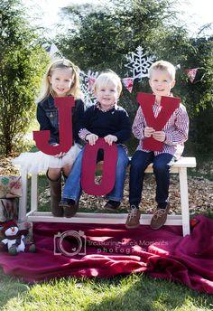 Outdoor Christmas Mini Session Blog — Treasuring Life's Moments Photography www.treasuringlifesmoments.com