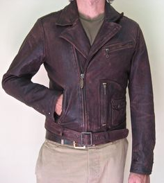 VINTAGE STYLE D POCKET MOTORCYCLE JACKET    It's a completely new model from lamb leather origin Middle East from solofra Italy. 100%natural leather with vegetable processing, thickness 0.9mm to 1.00pm. Garment has undergone washing, processed in special barrels to give us the form at the end of a used jackets. Skin color reddish brown.The lining is 100% wool.