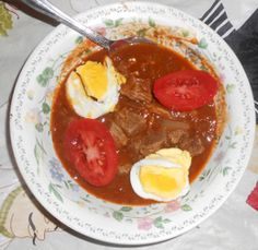 Ethiopian Entree SIGA WAT (beef stew) INGREDIENTS 1½ pounds, chuck or other cut of beef 4 garlic cloves 2 onions 3 tablespoons ghee or vegetable oil 1½ cups water 2 tablespoons Berbere spice mix 1 …