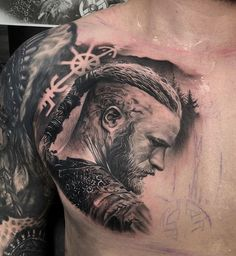 Ragnar Lothbrok, Vikings Ragnar, Floki, Boy Tattoos, Badass Tattoos, Sleeve Tattoos, Celtic Tattoos, Viking Tattoos, Chest Tattoo