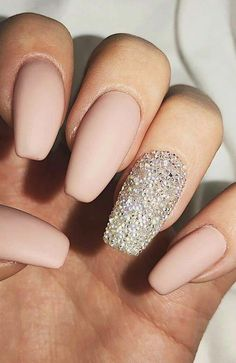 29 Summer Nail Designs That Are Trending for 2019 29 Summer Nail Designs That Are Trending for Summer Nail Designs Nail Design Ideas for the Summer & Summer manicure for 2019 Probably, there is no such person who would not love summer. Minimalist Nails, Bright Summer Nails, Nail Summer, Gel Nagel Design, Best Nail Art Designs, Designs On Nails, Acrylic Nail Designs For Summer, Nagel Gel, Perfect Nails