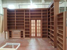 Libreria in mogano realizzata in falegnameria in vero legno. #Mogano #LibreriaSuMisura #LibreriaInLegno #Falegnameria #Library #WoodLibrary #Mahogany Divider, Room, Furniture, Home Decor, Bedroom, Decoration Home, Room Decor, Rooms, Home Furnishings
