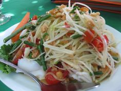Hot Hot Hot: Thirteen Tongue-Scorching Dishes That Aren't From Mission Chinese Food Easy Asian Recipes, Spicy Recipes, Salad Recipes, Healthy Recipes, Ethnic Recipes, Healthy Food, Thai Green Papaya Salad Recipe, Mission Chinese Food, Papaya Recipes