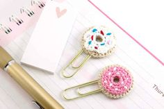 These crochet doughnut paperclips.