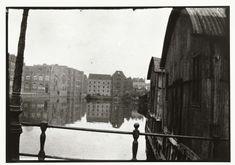 Gezicht vanaf de brug naar het Prinseneiland in Amsterdam, George Hendrik Breitner, Harm Botman, 1890 - 1910