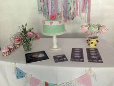 Shabby chic flowers | CatchMyParty.com