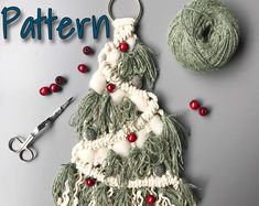 Check out our macrame christmas tree pattern selection for the very best in unique or custom, handmade pieces from our shops. Bohemian Christmas, Christmas Crafts, Christmas Ornaments, Christmas Décor, Christmas Ideas, Macrame Wall Hanging Patterns, Macrame Patterns, Pattern Wall, Pattern Design