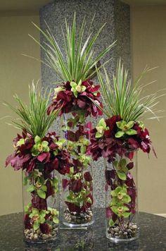 Green and purple orchids in multiple vases modern flower arrangement Arte Floral, Deco Floral, Amazing Flowers, Silk Flowers, Beautiful Flowers, Purple Flowers, Purple Orchids, Yellow Roses, Floral Flowers