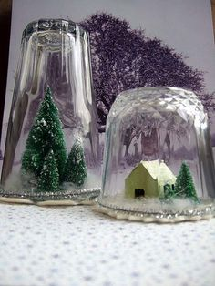 "diy ""winter in a jar"" Noel Christmas, Winter Christmas, Vintage Christmas, Vase Crafts, Decor Crafts, Diy Crafts, Halloween, Holiday Crafts, Snow Globes"