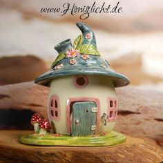"Képtalálat a következőre: ""making a fairy house for elementary clay project"" Polymer Clay Fairy, Polymer Clay Projects, Diy Clay, Clay Crafts, Diy And Crafts, Polymer Clay Miniatures, Clay Fairy House, Fairy Garden Houses, Pottery Houses"