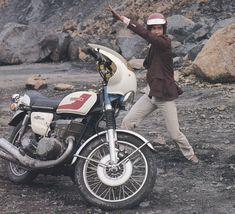 go rider ! Go Rider, Hero Machine, Showa Era, Kamen Rider, Motorbikes, My Hero, Nostalgia, Japan, Motorcycle