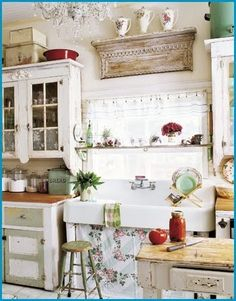 Charming!  And I use to have a sink like that at a previous home.  My husband gave it away.