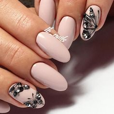 Butterfly nail art designs are loved by women because of its cute, colorful, beautiful patterns and symbolic significance, or simply because the design of butterfly nails has produced attractive effects on nails. Spring Nails, Summer Nails, Cute Nails, My Nails, Graduation Nails, Butterfly Nail Art, Nails Polish, Nailed It, Pretty Nail Art
