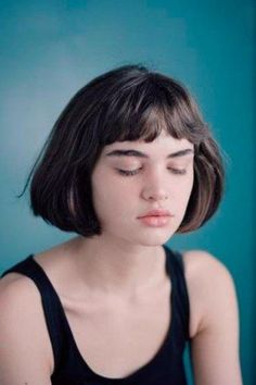 The French Bob is the most beautiful variant of the trend hairstyle. Inspiration is provided by the coolest It-girls from Paris. Short Bob Haircuts, Bob Hairstyles, Haircut Short, French Hairstyles, Hairstyle Short, Hair Inspo, Hair Inspiration, Character Inspiration, Straight Hair