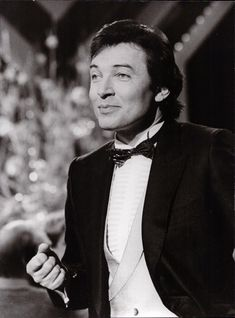 Karel Gott, Rest In Peace, Abraham Lincoln, Pictures, Pies