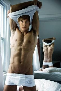 OMG I about died when I saw this. LOVE me some Zac Efron. Yum lol.