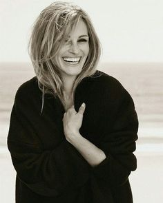 Enjoy Now or Cry Later! Julia Roberts, Woman Movie, Artistic Photography, Classic Beauty, Hollywood Glamour, Beautiful Actresses, Pretty Woman, Actors & Actresses, Beautiful Women